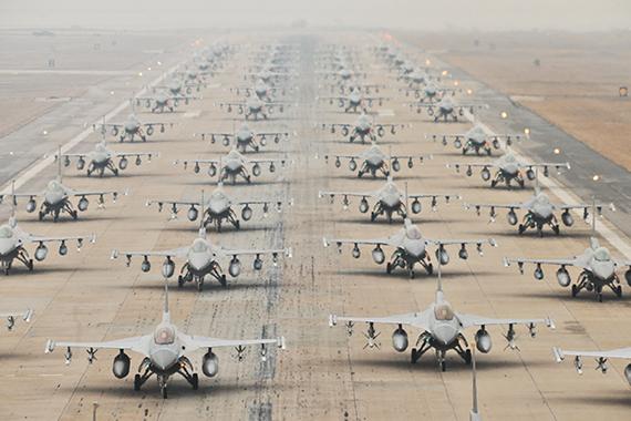 falcon-fighter-f-16-c-d