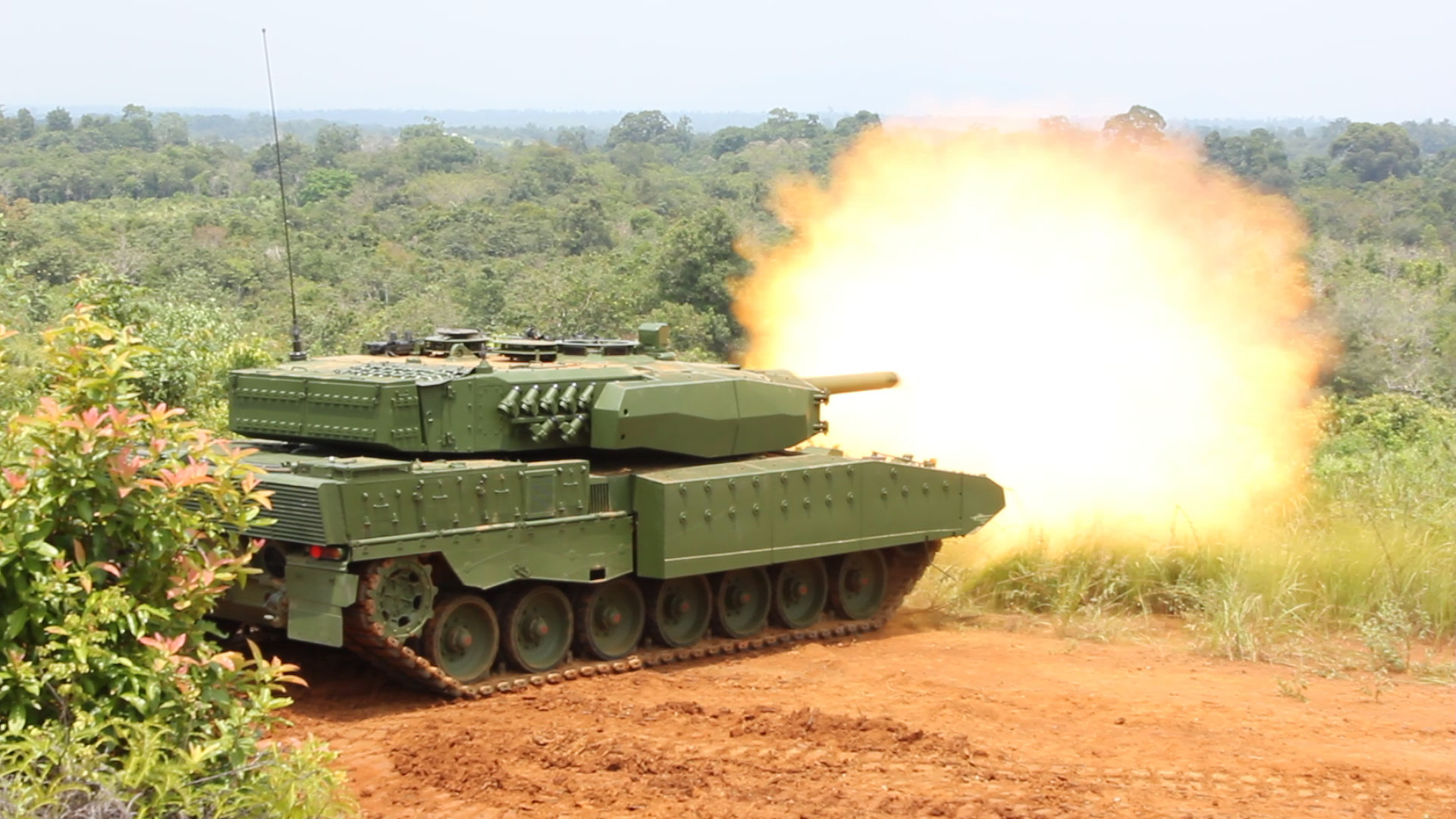 022fd5e86913 Indonesia s fielding of the modernised Leopard-2 RI (shown firing) gives it  an advanced MBT force that is further complemented by its acquisition of  surplus ...