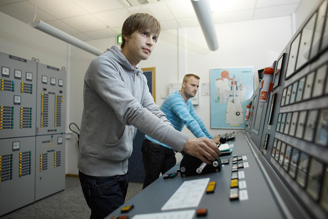 Kongsberg K-Sim engine simulator
