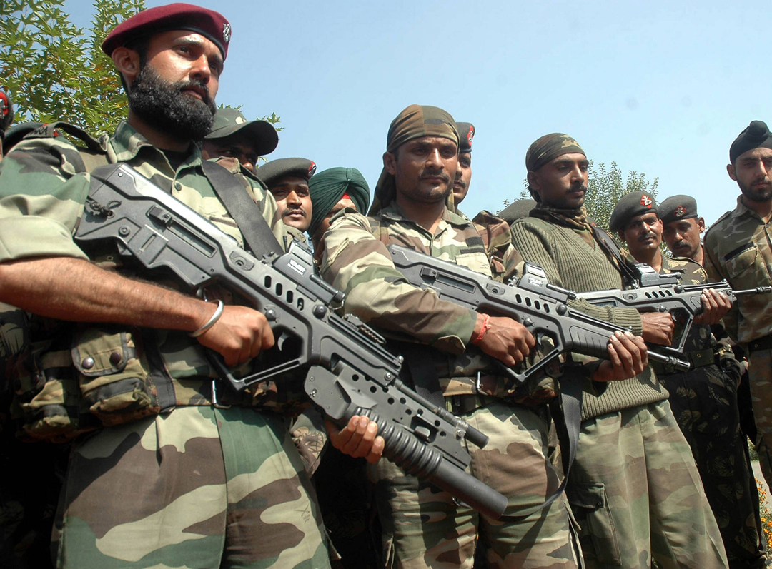 Indian Special Forces with members of the Tavor family