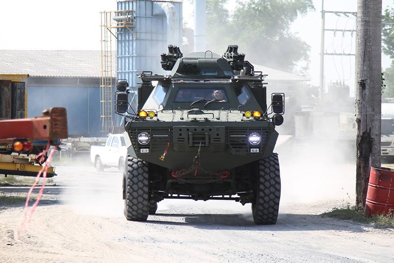 V-150 Commando 4x4