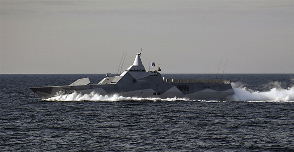 Visby-Class-HSwMS-Karlsand-10-2017-at-sea