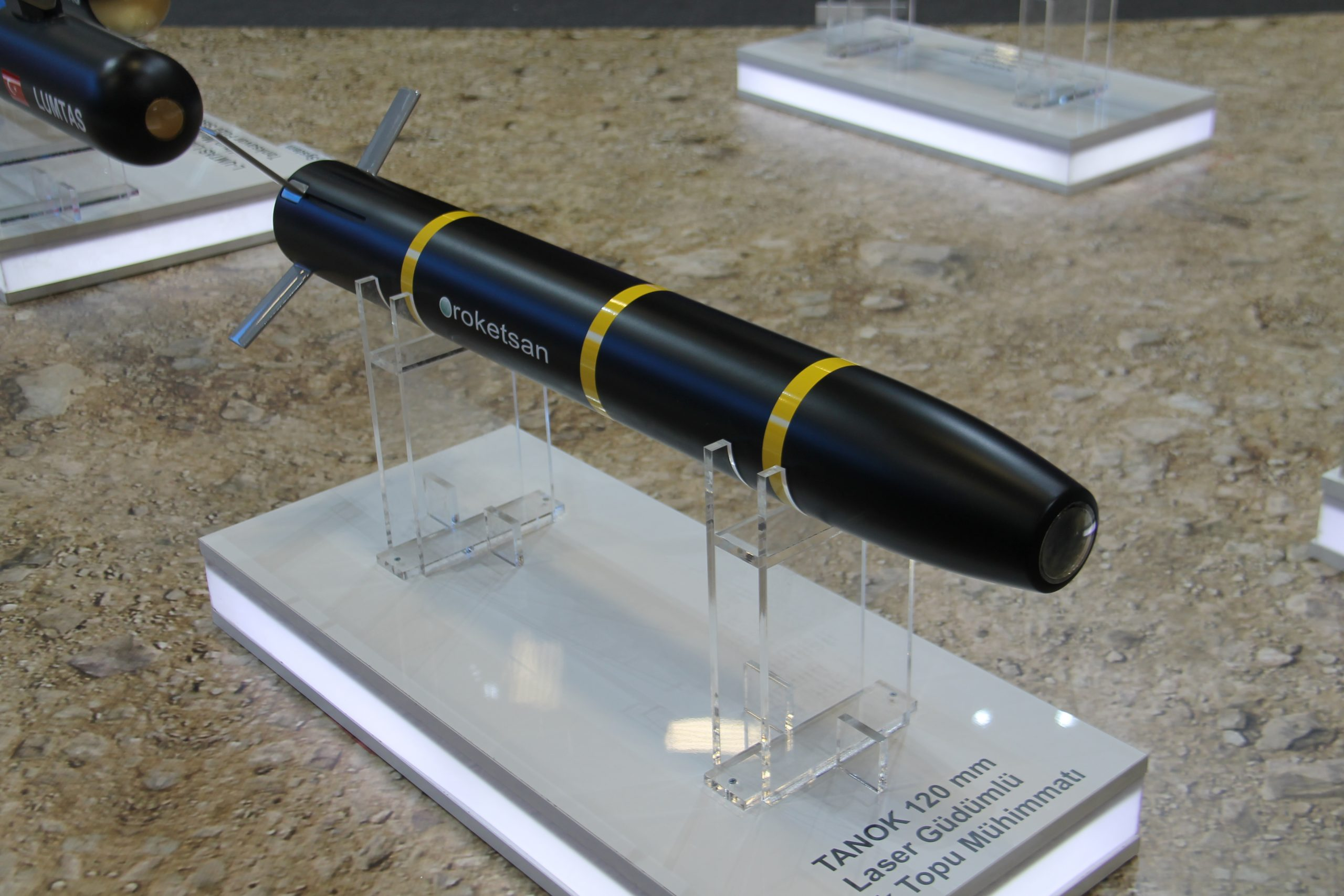anok 120 mm tank launched guided projectile