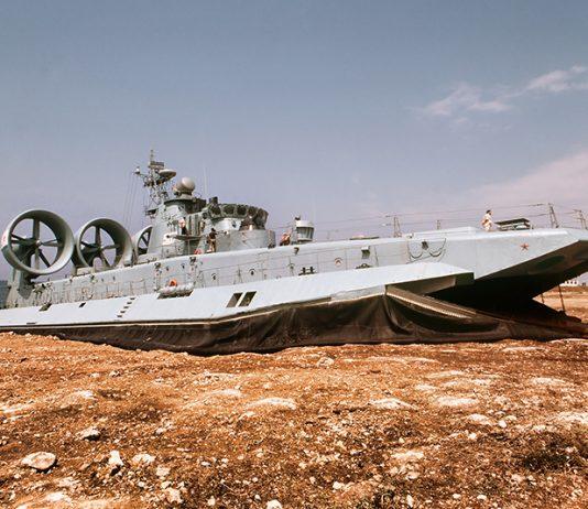 Zubr-air-cushion-landing-craft